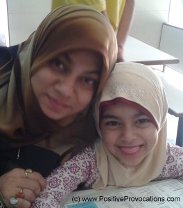 haaniya and mummy 2