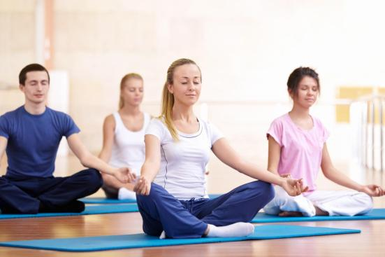 5 Essential Yoga Principles for Positive Thinking