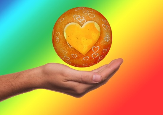 5 heart-centered ways to positively heal everyone you meet and get self-healed too!